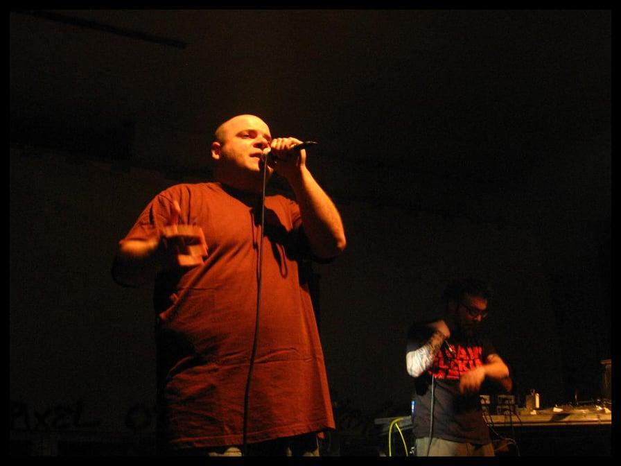 Moddi MC, Kaos One